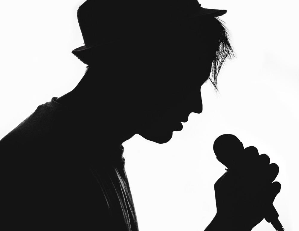 silhouette-1992390_1920
